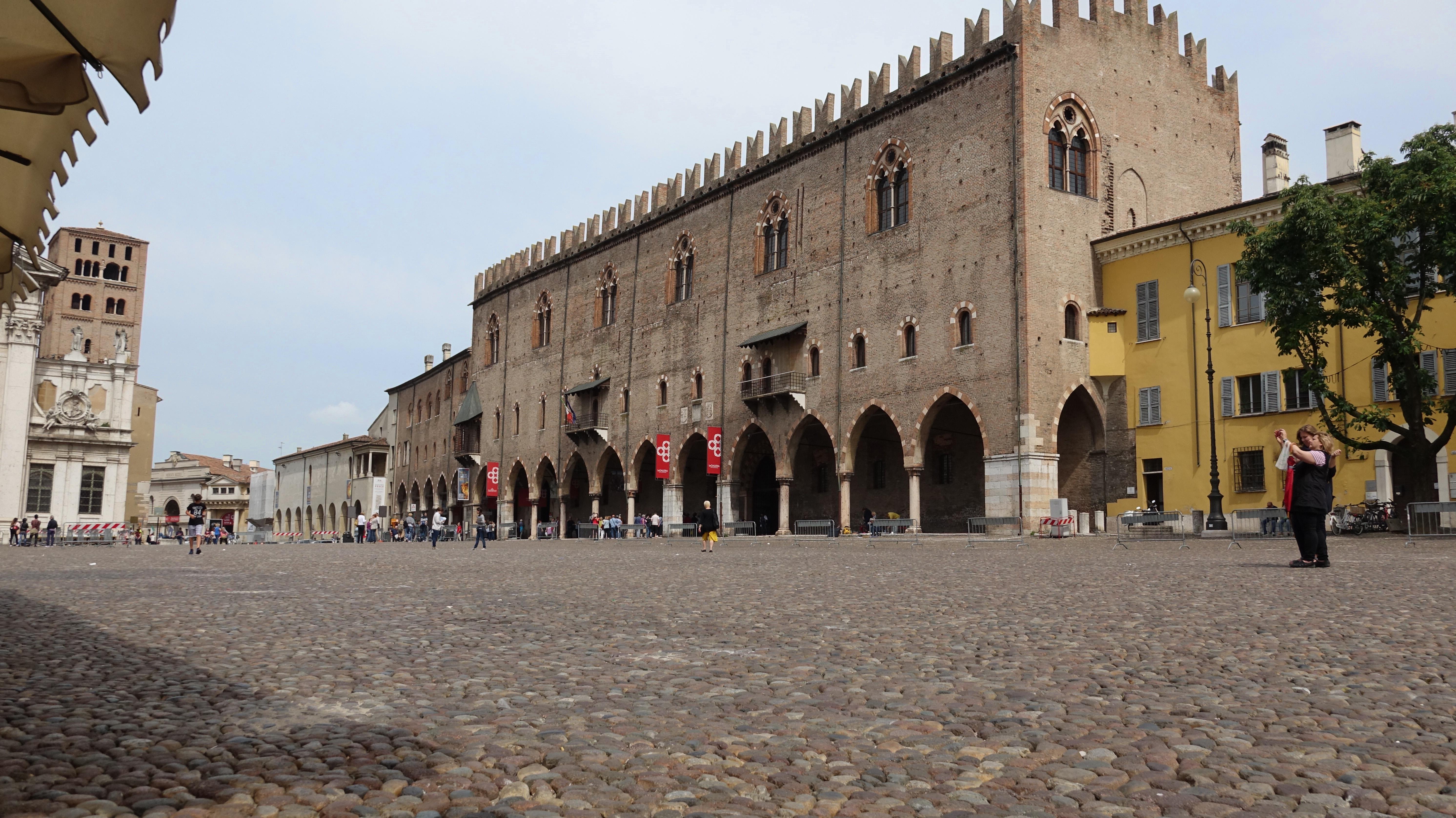 Mantova-Gonzaga-Lombardia-Mincio