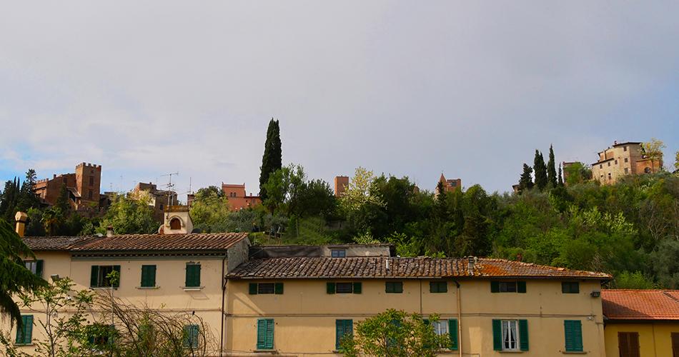 San Miniato e Certaldo - Vista del Borgo di Certaldo arroccato su di una collina