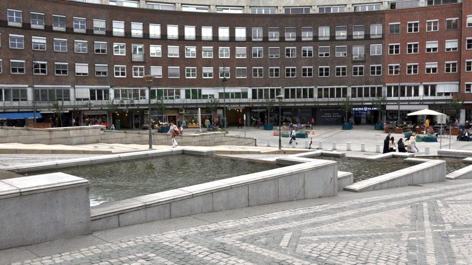 Oslo. Piazza per la Pace della Mente.