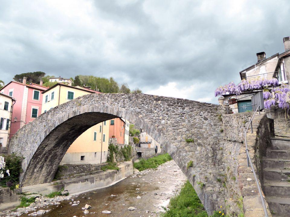 Varese Ligure. Ponte di Grexino.