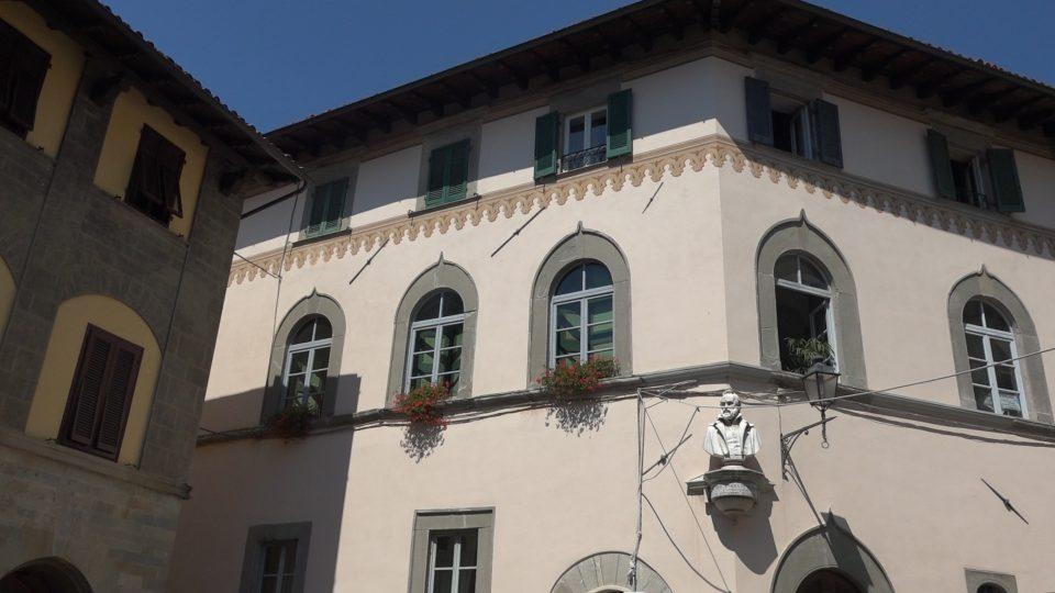 Barga. Palazzo Angeli
