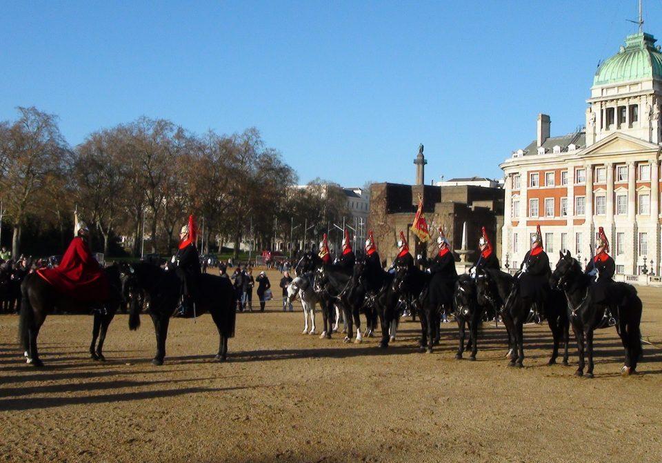Londra. Schieamenteo della guardia in servizio del reggimento Blues and Royals.