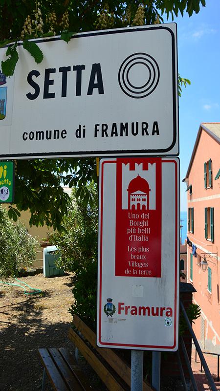 Framura. Cartello che indica Setta appartenente all'elenco dei Borghi più belli d'Italia.