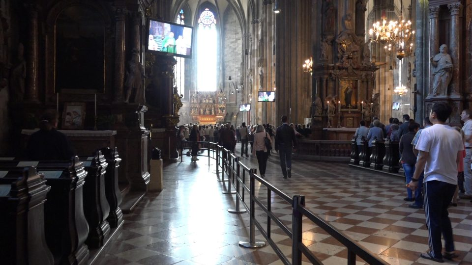 Vienna. Interno della Cattedrale di santo Stefano.