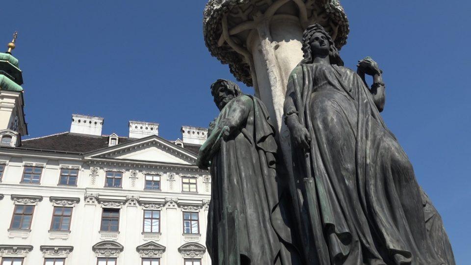 Vienna. Piazza Freyung, fontana dei fiumi.