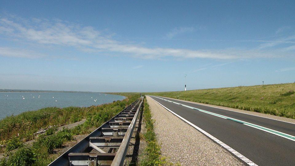 Edam Volendam Marken. Diga che collega la costa orientale con quella occidentale.