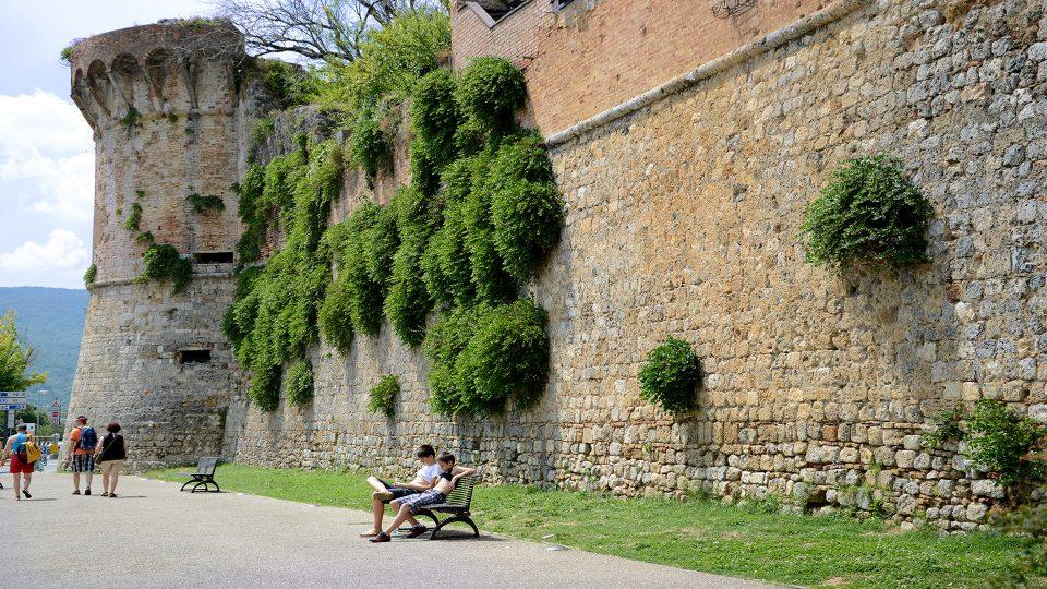 San Gimignano. Seconda cerchia muraria.