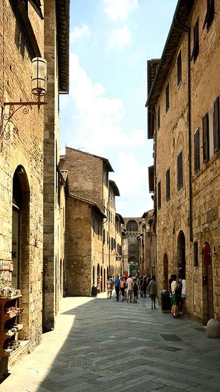 San Gimignano. Via San Giovanni.