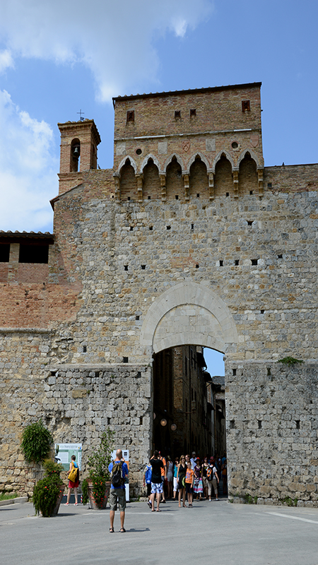 San Gimignano. Particolare della porta San Giovanni.