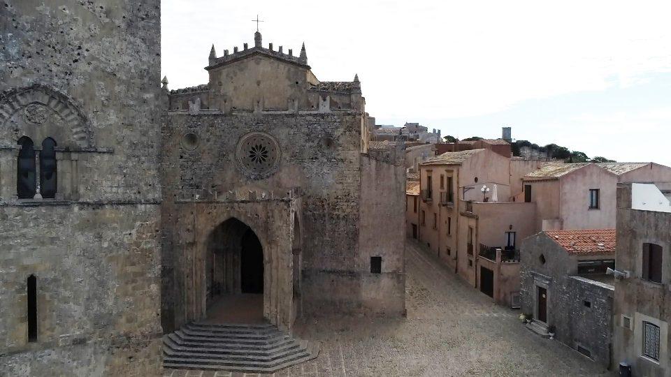 Erice. Vista dall'alto della Cattedrale o Chiesa Matrice.