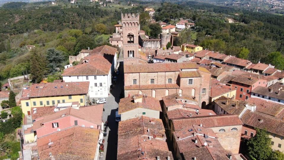 Montecarlo. Vista del borgo dalll'alto, ripresa con drone.