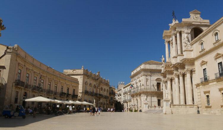 Siracusa. Piazza del Duomo