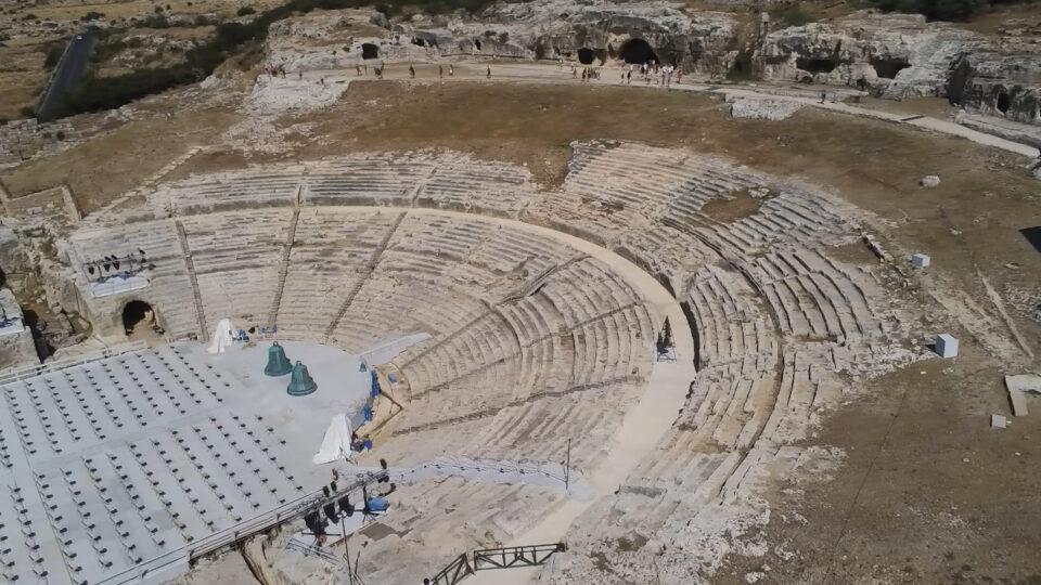 Siracusa. Parco Archeologico della Neapolis. Il teatro Greco ripreso dal drone.