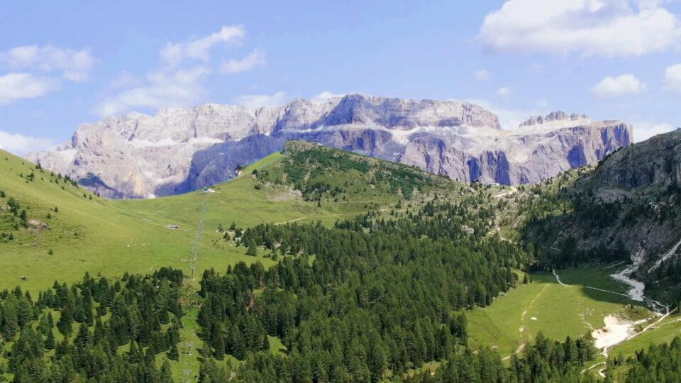 Val Gardena. Gruppo del sella visto dal Monte Seura con drone Mavic 2 Zoom.